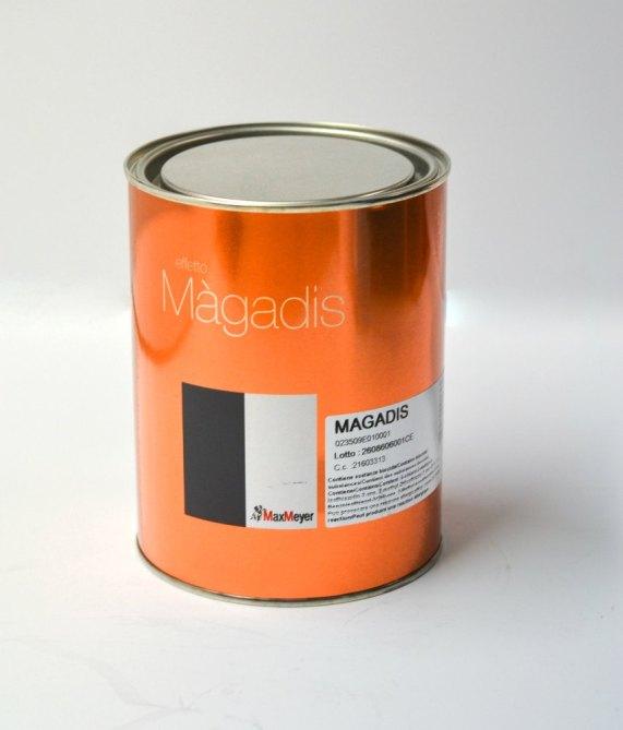 MAGADIS è una velatura acrilica opaca semi trasparente disponibile in un'ampia cartella colori